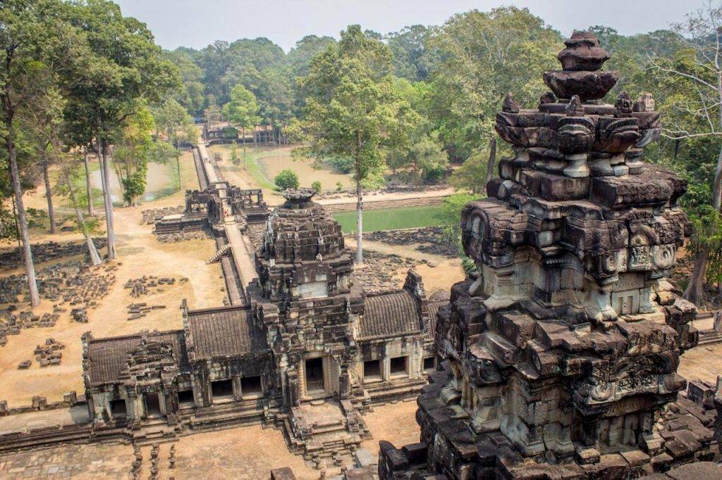 Best Temples Angkor Wat: The Baphuon