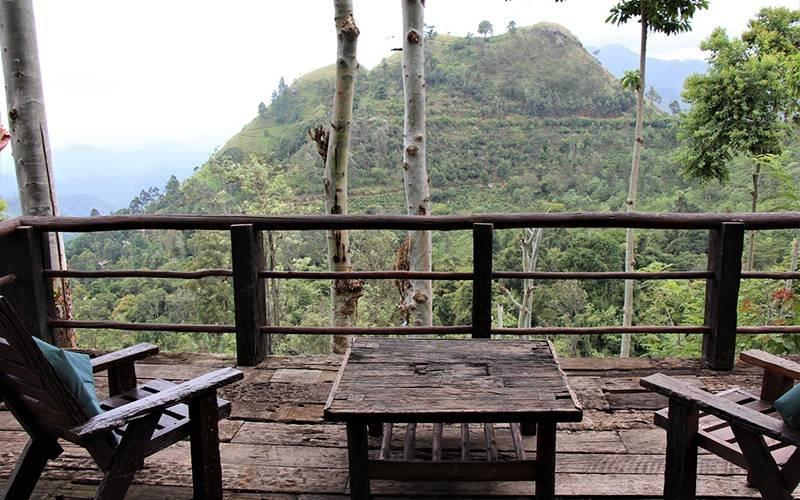 Free accommodation travel bloggers