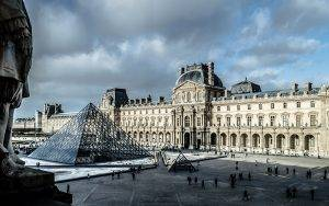 November 2015 Paris Attack: Travel in the Face of Terrorism