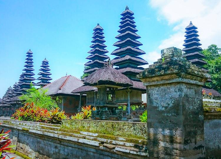 Tanah Lot, Uluwatu Temple and Other Temples of Bali to Fall in Love with