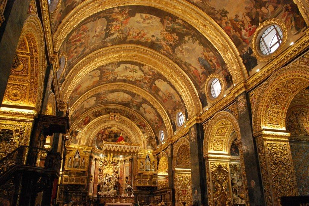 Nave CoCathedral Valetta