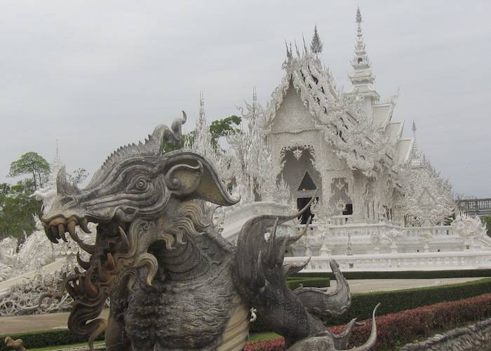 White Temple Chiang Rai – Instagramming the beauty of Wat Rong Khun