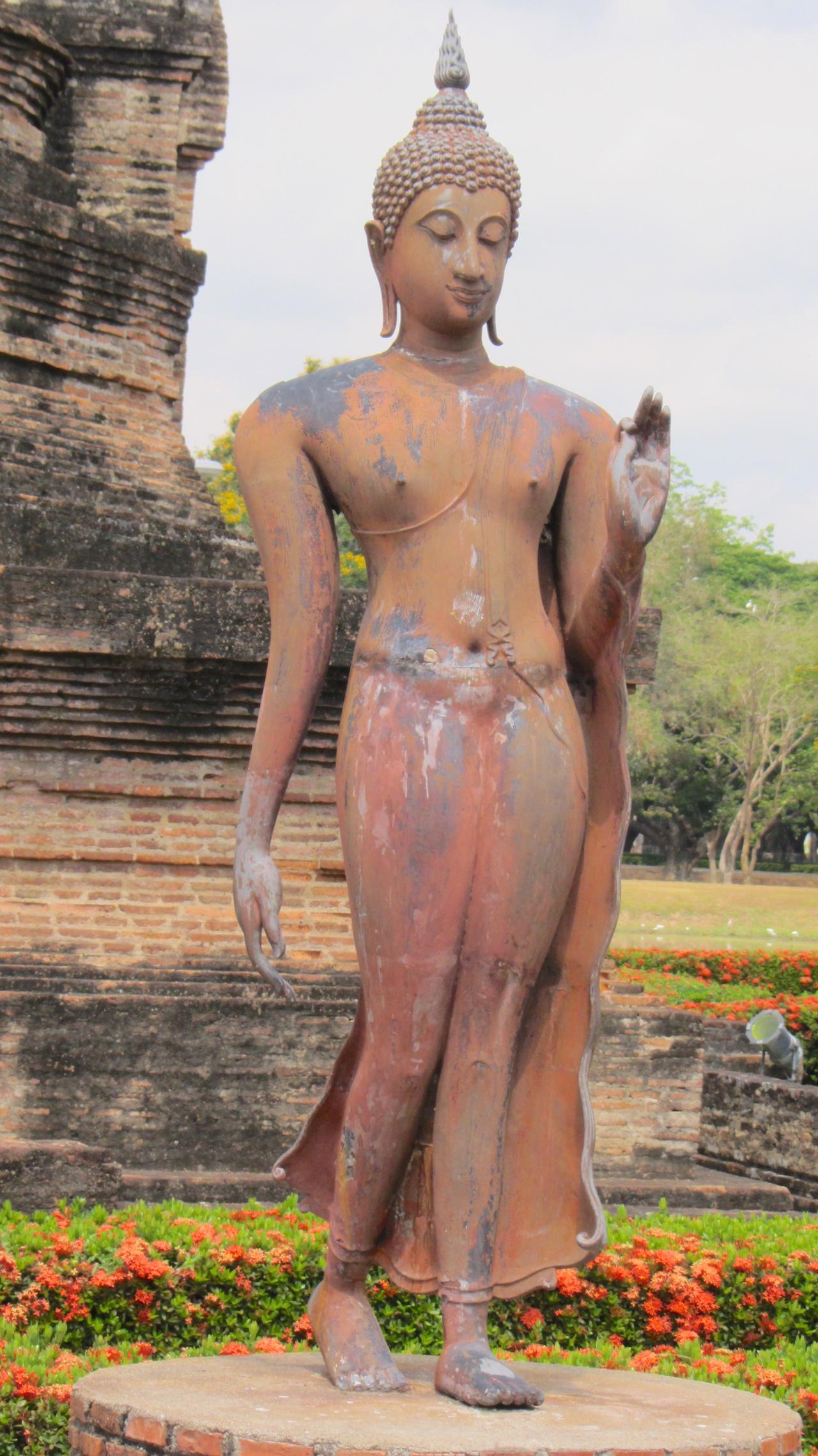 Wat Sa Si Standing Buddha