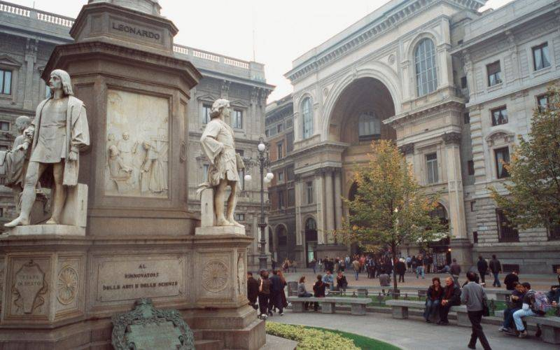 Shopping in Milan – An unforgettable Luxury Shopping Experience!