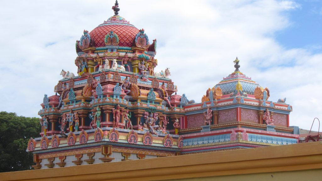 Sockalingum Meenatchee Ammen Kovil temple roof