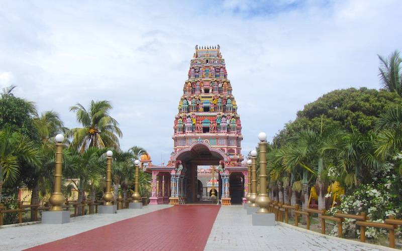 Sockalingum Temple Approach