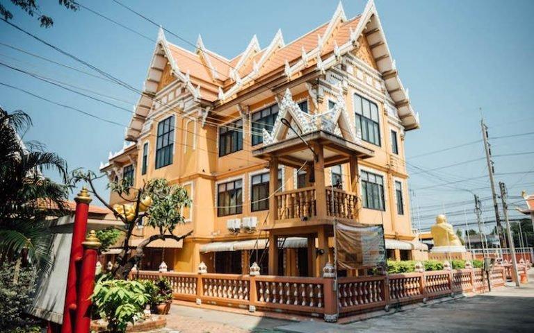 thaibhikkunis all female Thai Monastery