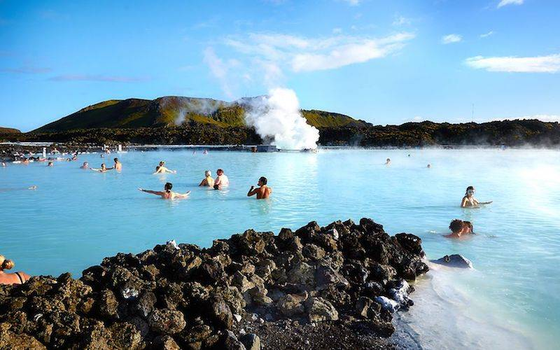 Blue Lagoon Tour Iceland - give experiences instead of gifts
