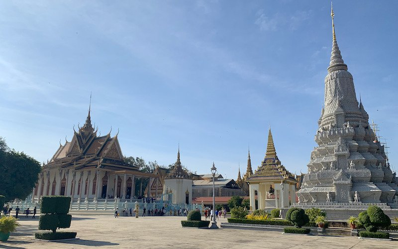 Phnom Penh Royal Palace Guide
